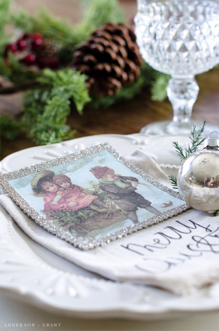 Free Printable Vintage Ornament for your Christmas tree or holiday table  |  www.andersonandgrant.com
