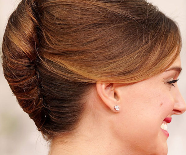 18 Interesting French Knot Hairstyles Hairstylo