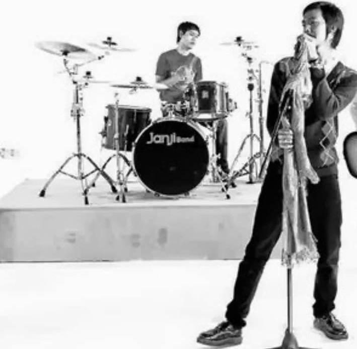 Chord Gitar Naif Janji Setia: Lirik Lagu Janji Band Taubat