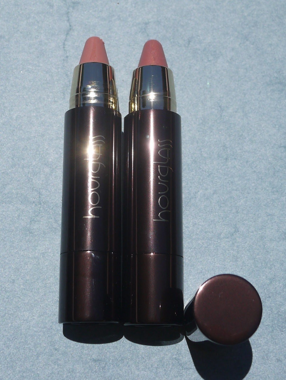 Hourglass Cosmetics Femme Nude Lip Stylo - swatches