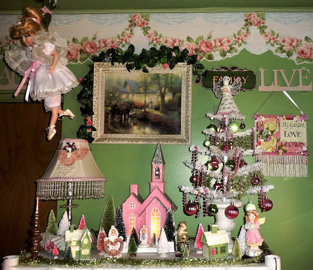 Craft Room Christmas Decorations, Christmas Home Tour, 2016
