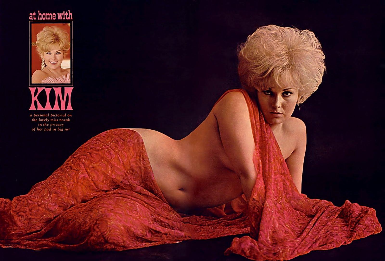 Having nude sex novak kim