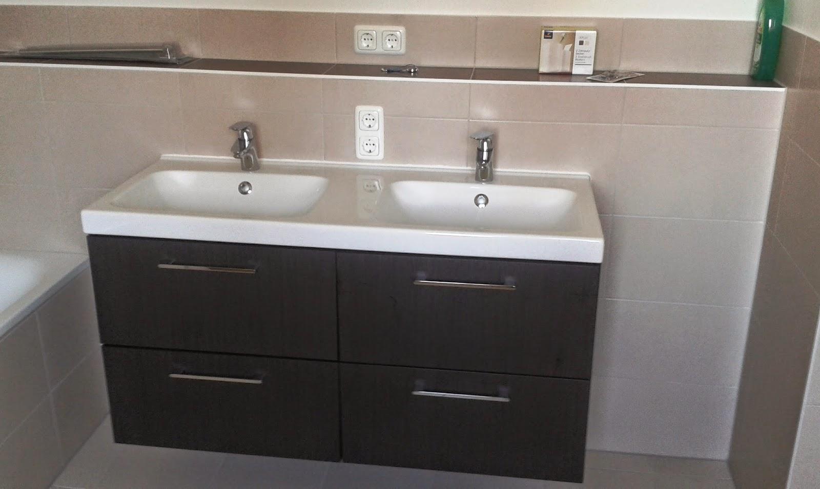 steckdosen badezimmer waschbecken excellent affordable detail der waschbecken in einem modernen. Black Bedroom Furniture Sets. Home Design Ideas