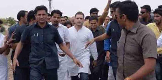 ग्वालियर में पूजा के बाद राहुल गांधी का रोड शो