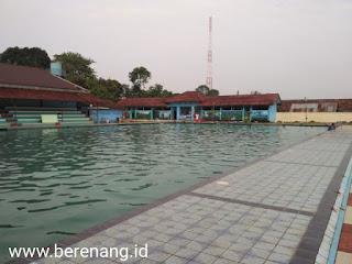 kolam renang pelopor brimob