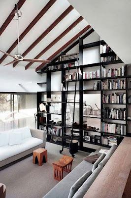 8 Ide Mendekorasi Ruang Keluarga Dengan Atap Yang Tinggi ! - Perpustakaan Rumah
