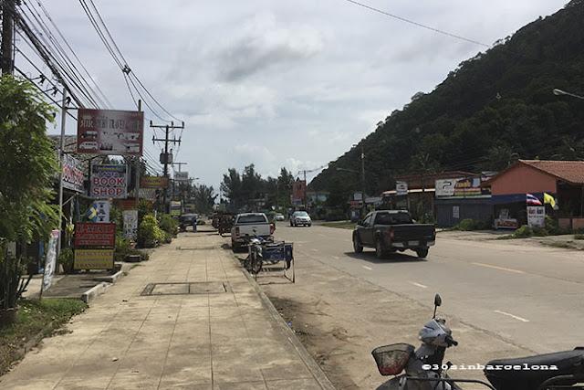Saladan main road, Ko Lanta