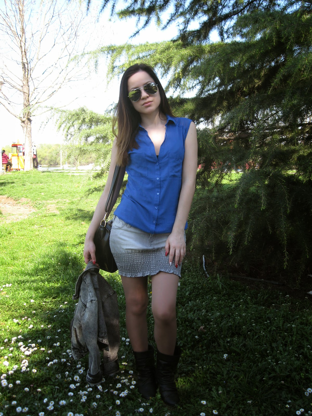 casual outfit, casual look, denim on denim, grey denim jacket, denim skirt, aviator sunglasses, black boots, cobalt blue blouse shirt