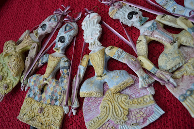 articulated puppets- marie antoinette et colombine by Cathy Vagnon