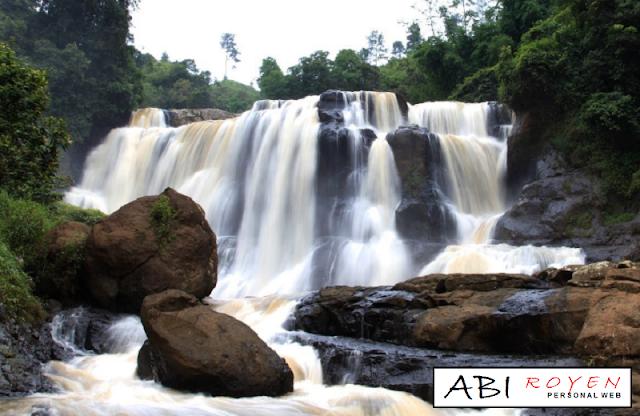 Tempat%2Bwisata%2Bdi%2BLembang%2BBandung%2B%2BCurug%2BMalela 26 Tempat Wisata di Lembang Bandung yang Paling Wajib Dikunjungi