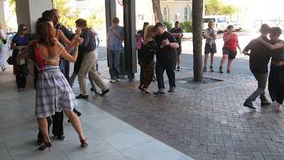 tango-flashmob-kloof-street-3