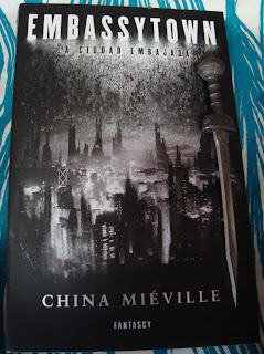 Portada del libro Embassytown, de China Miéville