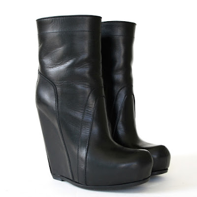https://www.ebay.com/sch/couture-auctions/m.html?item=183451921565&rt=nc&_trksid=p2047675.l2562