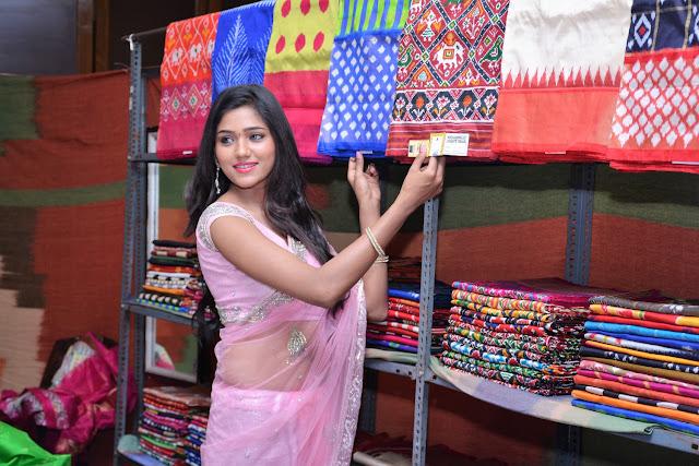Actress Shalu Chourasiya Inaugurates Pochampally IKAT art mela at Vijayawada