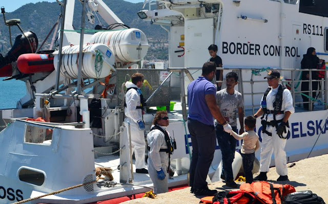 Αυξάνονται οι πρόσφυγες στα νησιά