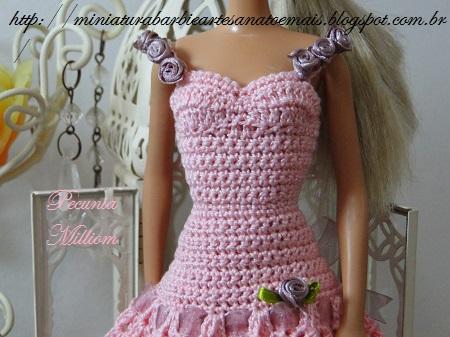 Barbie com Vestido de Festa de Crochê Modelo 2  Criação de Pecunia M. M. 4