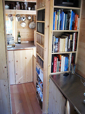 The Busy Beauceron A Tiny House For Spur And Jax And A