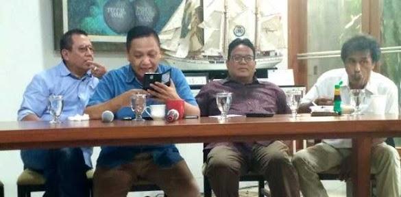 Adhie Massardi Duga Klarifikasi Eks Kapolsek Pasirwangi Berbau Paksaan