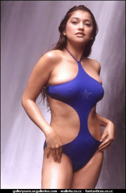 naked sarah azhari hot