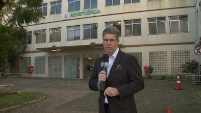 Felipe Vieira em frente ao hospital - Divulgação