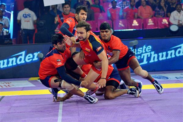 Dabang Delhi K.C. thrash Bengaluru Bulls
