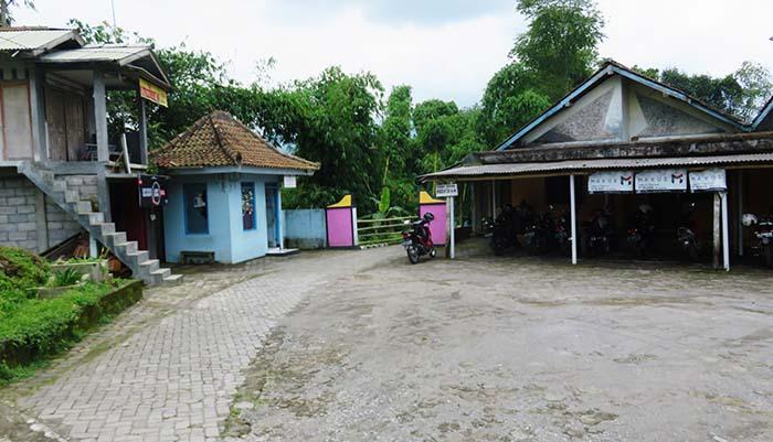Area Parkir Air Terjun Kedung Kayang