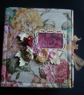скрап,коробочка,упаковка,шкатулка,чип,чипборд,цветы,ткань,самодеьные цветы,цветы из бумаги,соты,строчка