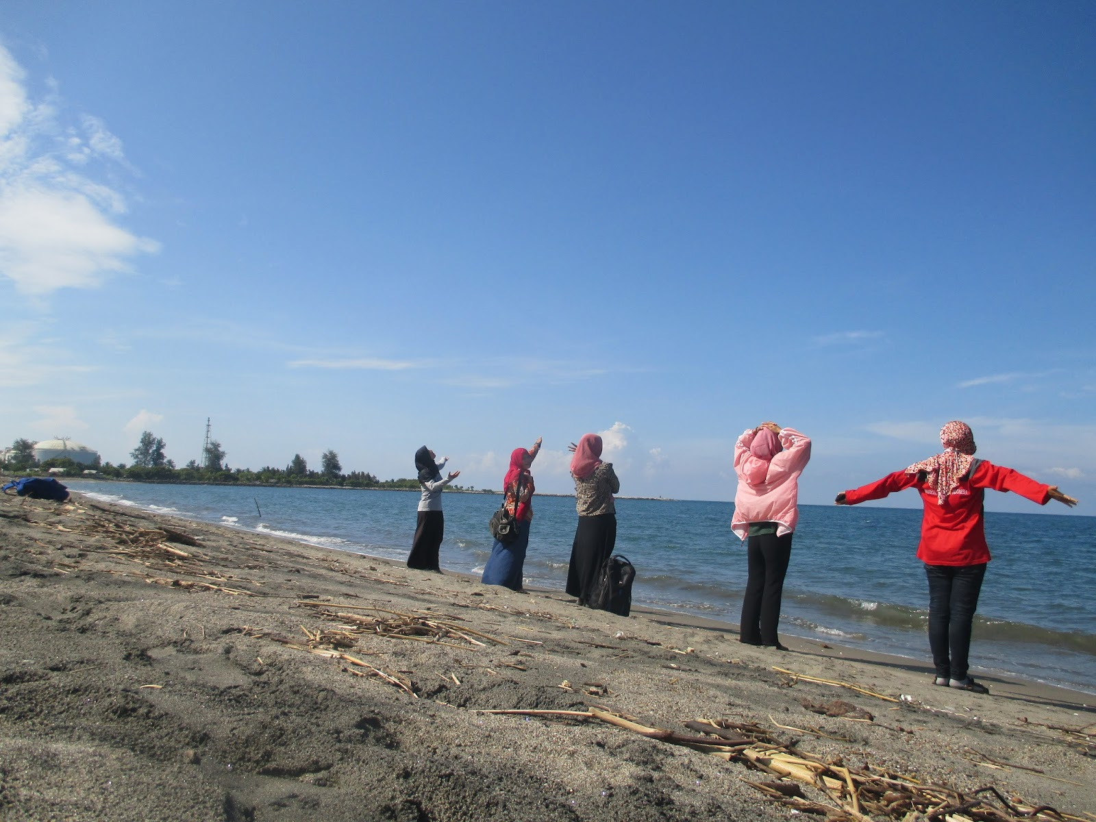 Pesona Keindahan Pulau Seumadu Di Kota Lhokseumawe Yang Wajib Dikunjungi Travellink Indonesia