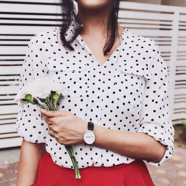 polka dot blouse, french colors, dress like a parisian, indian blogger, indian luxury blog, who what wear, top style blogger,daniel wellington, daniel wellington outfit