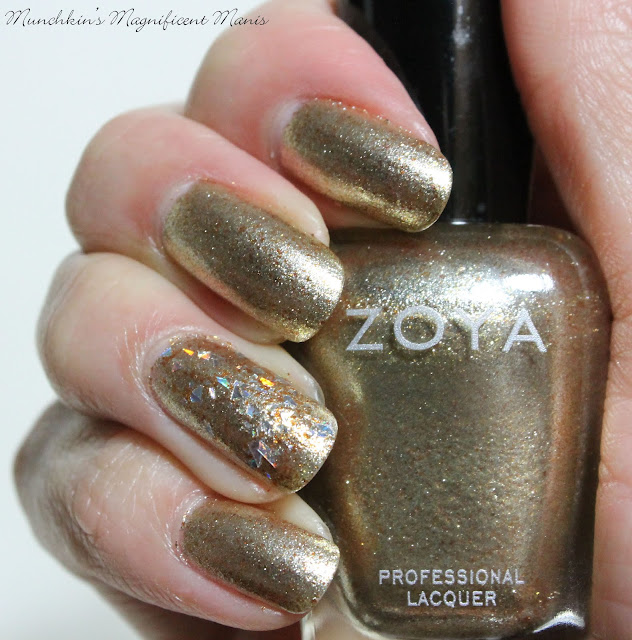 Zoya Ziv and Kaede on the ring finger nail