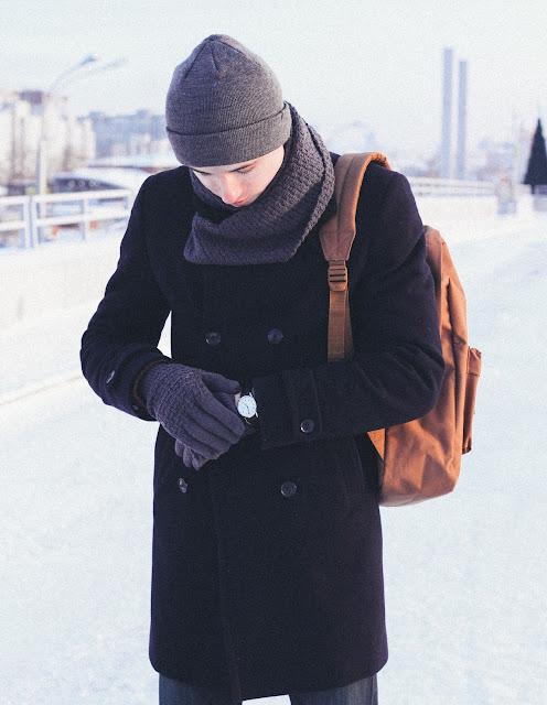 Зимний мужской образ. Как носить пальто зимой мужчине. Стиль кэжуал.