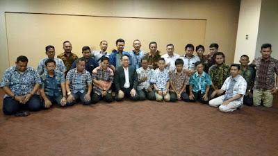 Danu Kuswara Mengisi Acara Motivasi Etos Kerja Untuk Aparatur Desa se Belitung