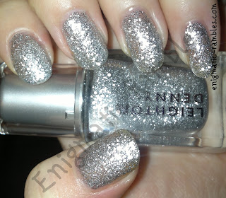 swatch-leighton-denny-i-am-diva-silver-opaque-glitter