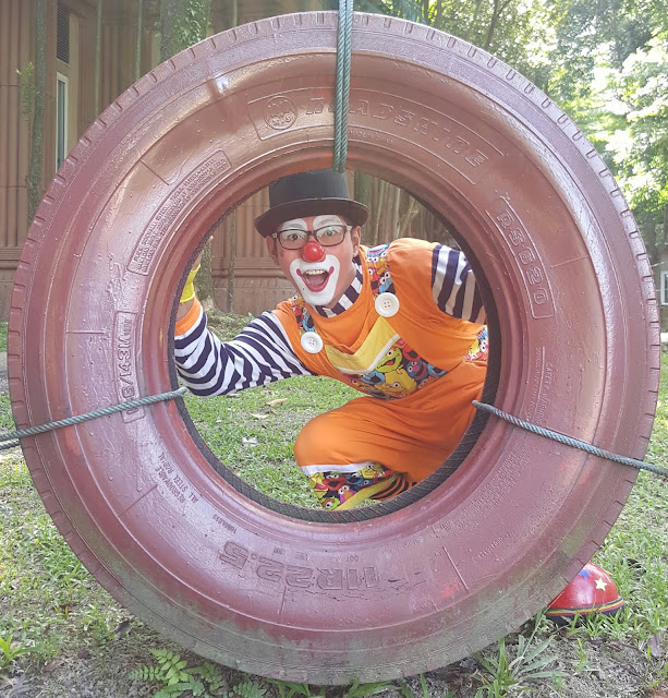 balloonist clown, entertaiment clown, magical clown