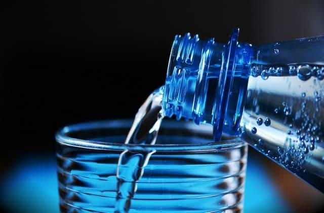 air putih untuk menghilangkan kerutan dibawah mata