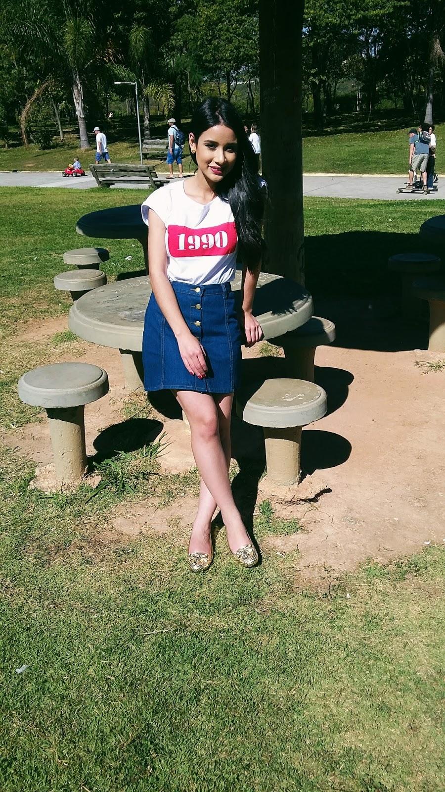 Look do dia: Saia com Botões na Frente + T-Shirt