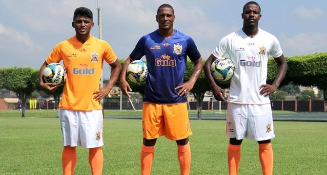 Nova Iguaçu anuncia novos uniformes com surpresa em terceira camisa ... de954d0f1a796