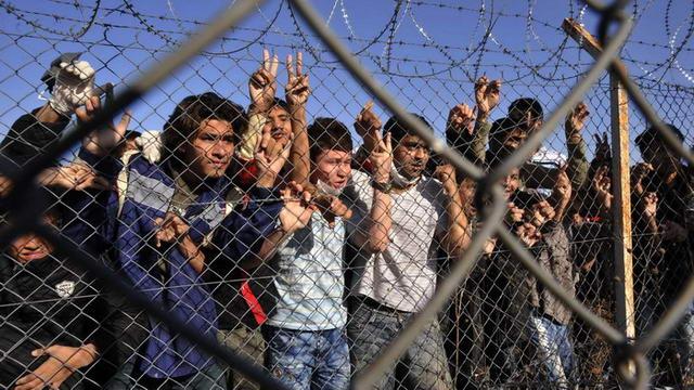 """Πάνε για πάγωμα της Σένγκεν - """"Συρματοπλέγματα"""" παντού στην ΕΕ"""