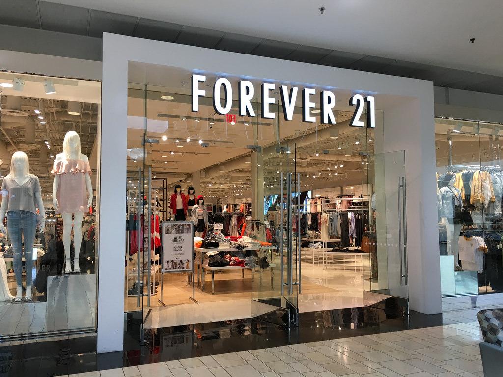 A Forever 21 vai inaugurar com festa sua primeira loja no Ceará. O local  escolhido para a 34ª unidade da marca no Brasil foi o shopping Iguatemi, ... 8d9fc6a02d