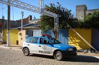 http://vnoticia.com.br/noticia/2420-carnaval-violento-em-sfi-dois-baleados-e-um-esfaqueado-na-praia-de-santa-clara