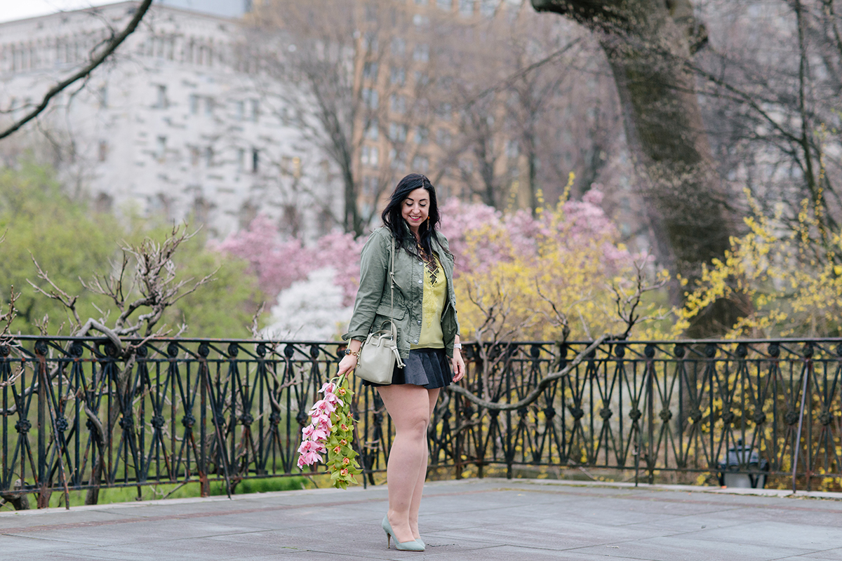 Brunette Roxy wears the Wayf Posie Strappy Cami from Nordstrom, Marrakech Utility Jacket from Anthropologie, Rebecca Taylor Lambskin Leather Skirt from Nordstrom, D'Orsay Heels from J. Crew, Apple Watch in Rose Gold and Transport Drawstring from Madewell via Nordstrom :: Get all the details on Effortlessly with Roxy
