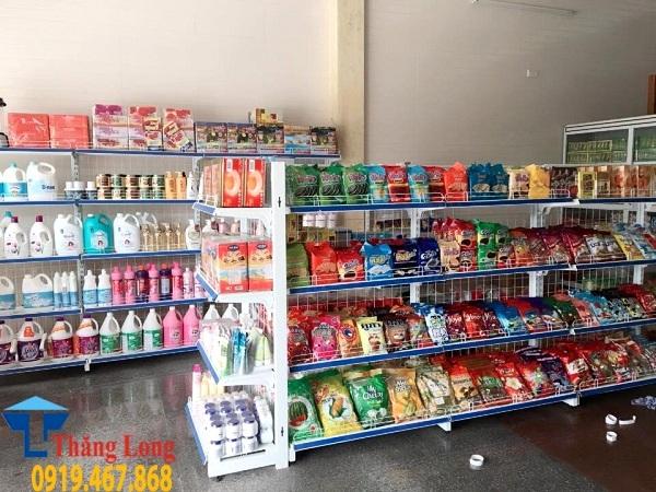 Cửa hàng tạp hóa nên chọn kệ siêu thị kích thước thế nào?