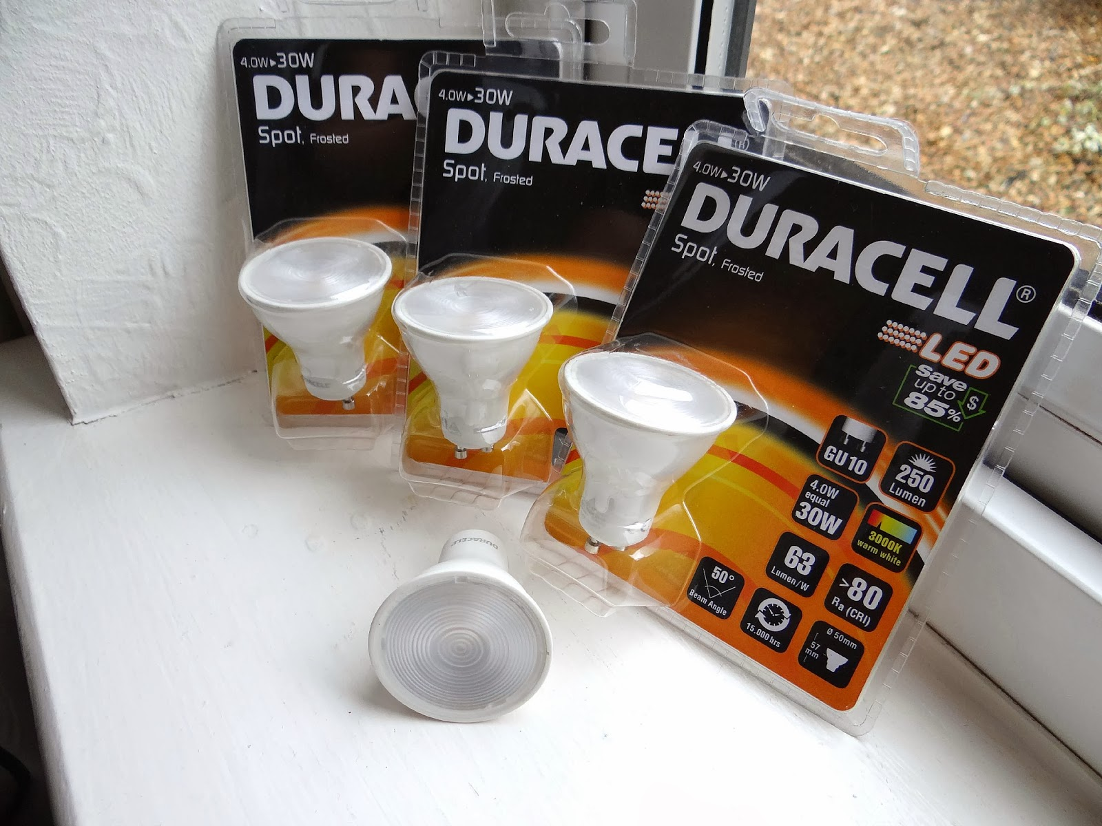 energy saving bulbs, Duracell light bulbs, Duracell LED Spot Frosted Bulb