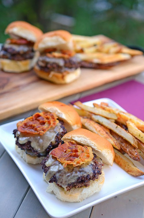 tailgate, grilling, burgers