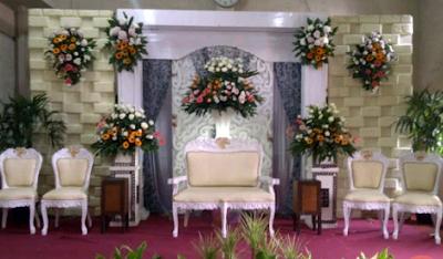 dekorasi pernikahan putih elagan
