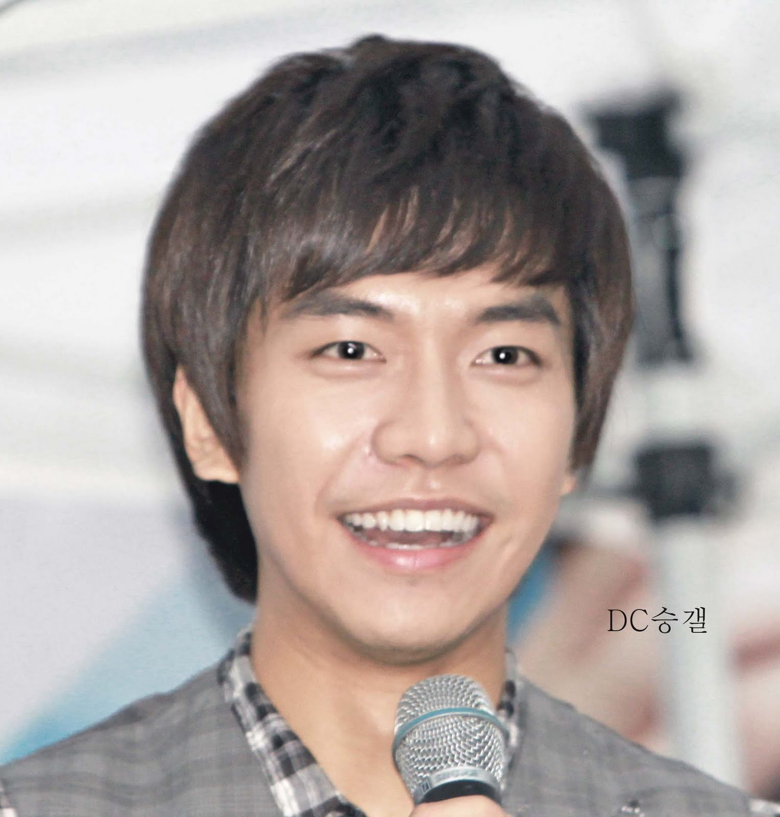 A Look At Lee Seung Gi Hairstyles Asian Hairstyles