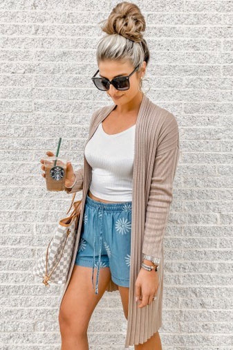 17 Fall Outfit Inspo That Will Make You Love This Season | Dust Off Cardigan