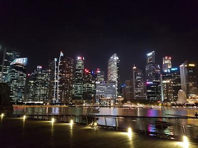Vistas de Singapur de noche