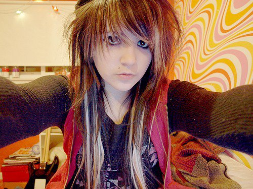 Gossip Juice: Emo Hairstyles For Girls With Short Hair And