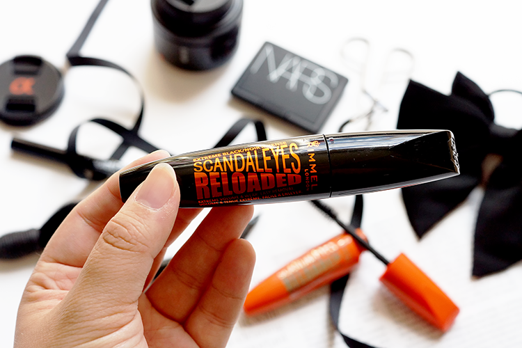 rimmel-scandaleyes-reloaded-mascara-review-extreme-black